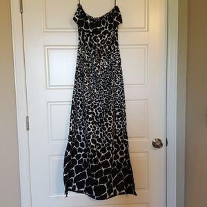 Dresses & Skirts - Black and white print dress